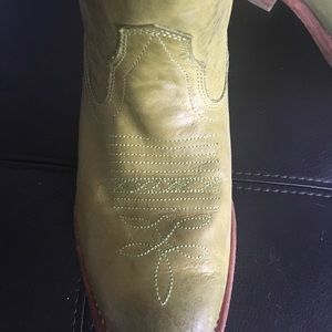 db61ef9ac3e Lime green cowboy boots!!! Really great shape!!